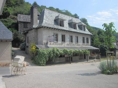 Vente Maison/Villa VIEILLEVIE 15120 Cantal FRANCE